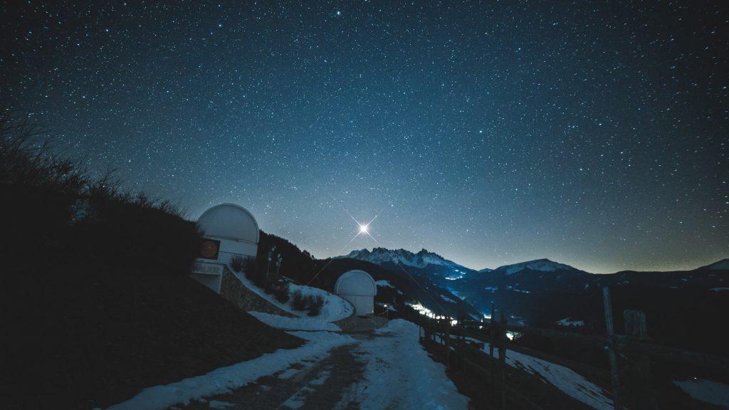 Il primo astrovillaggio d 39 europa in alto adige certificato for Il piu alto dei cieli cruciverba