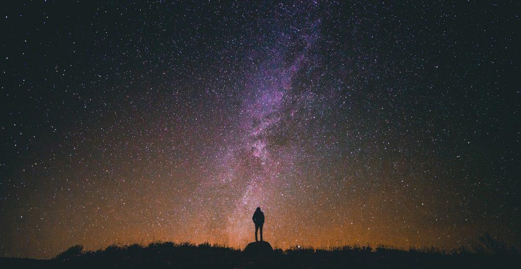 notte stellata uomo