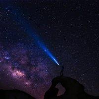 stelle cielo uomo torcia
