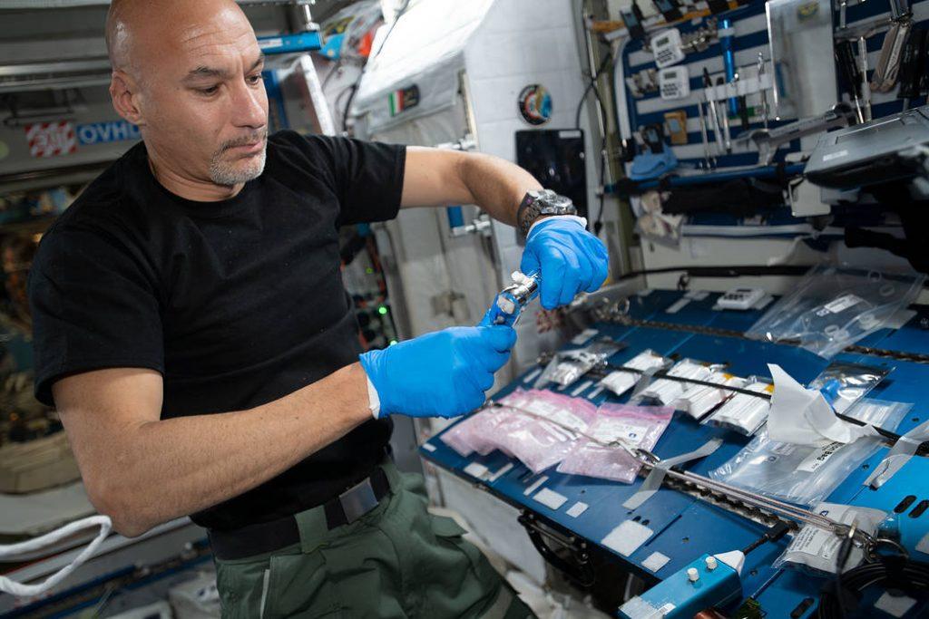 parmitano nello spazio esperimenti
