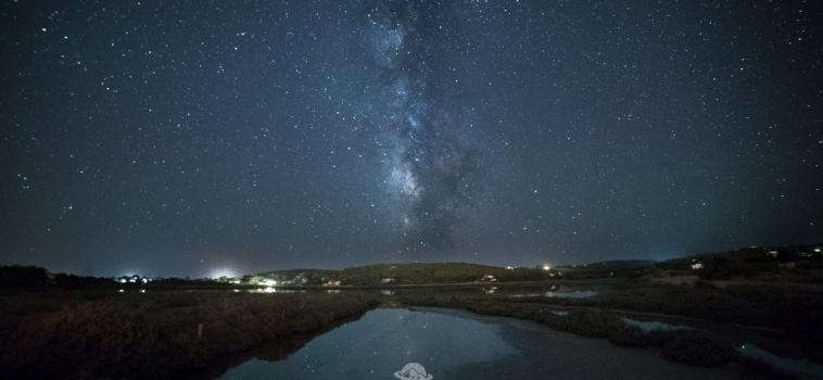 Sardegna, lo splendore della Via Lattea dalle spiagge di Carloforte