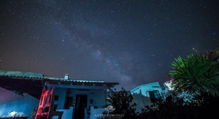 Casa-Morgana-Vacanze-Carloforte-Isola-San-Pietro-Italia-osservare-le-stelle-Sardegna-cagliari-Cieli-piu-belli-italia-Astronomitaly-astroturismo-astrotourism (6)