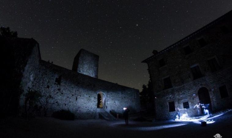 """Quando e come osservare le meteore Perseidi, le """"stelle cadenti"""" di San Lorenzo"""