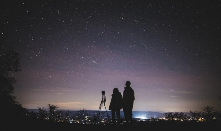 Liridi, naso all'insù per le stelle cadenti di aprile.