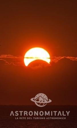 """Eclissi, da San Pietro all'Appia Antica lo spettacolo del """"sole nero"""" a Roma"""