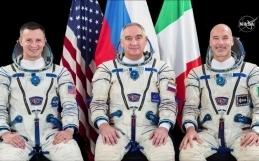 """Luca Parmitano nello spazio: """"guardare oltre"""" con la missione Beyond"""